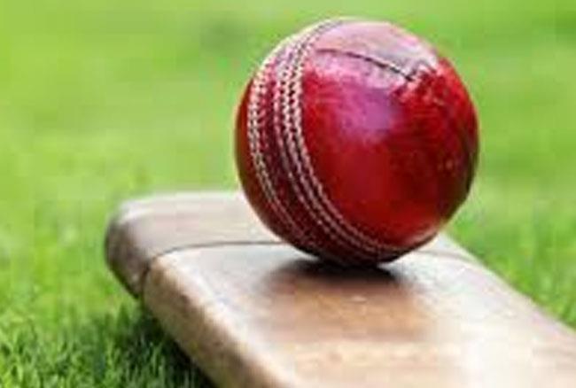 क्रिकेट में इस साल बना ये अजूबा रिकार्ड, 4 गेंदों पर ही बन गए 92 रन