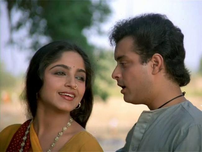 'नदिया के पार' की शूटिंग जौनपुर एक गांव में हुई थी। बताया जाता है कि जब इस फिल्म की शूटिंग खत्म हुई थी तो उस गांव के लोग रोने लगे थे। गांव में शूटिंग के दौरान गुंजा और गांव वालों के बीच एक आत्मीय रिश्ता बन गया था। यह फिल्म 1 जनवरी 1982 को रिलीज हुई थी।