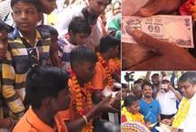 VIDEO: गुजरात में आचार संहिता की उड़ी धज्जियां, धर्म के नाम पर नेताओं ने बांटे नोट