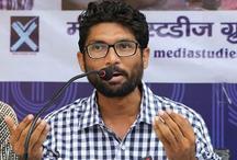 गुजरात में कांग्रेस को झटका, जिग्नेश ने राहुल से मुलाकात की बातों को बताया अफवाह