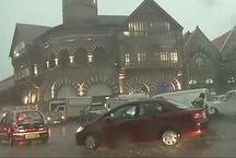 फिर भारी बारिश से बेहाल हुई मुंबई, यातायात प्रभावित