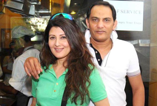 पूर्व भारतीय खिलाड़ी मोहम्मद अजहरुद्दीन ने बॉलीवुड अभिनेत्री संगीता बिजलानी से शादी की है।