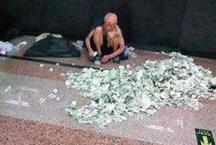 लखपति भिखारी हर महीने कमाता है 1 लाख रुपये, पैसे गिनने के लिए रखे हैं कर्मचारी