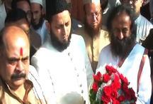 अयोध्या में राम मंदिर मसले पर मौलाना फिरंगी महली से मिले श्री श्री रविशंकर, कही बड़ी बात