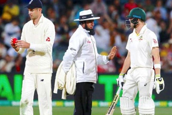 एशेज सीरीज: डे-नाइट टेस्ट के पहले दिन इंग्लैंड का शानदार प्रदर्शन, एक क्लिक में जाने मैच का पूरा हाल