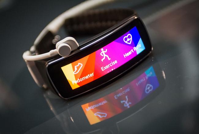 7 दिनों की बैटरी बैकअप वाला यह स्मार्ट-ट्रेकर करेगा आपके दिल की रक्षा, जानें कीमत