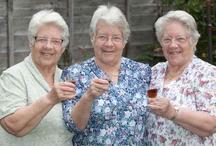 गजब! 80 साल से एक साथ जन्मदिन मना रही हैं ये तीन जुड़वां बहनें