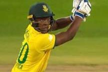 गजब: इस बल्लेबाज का 10 गेंदों में दो बार टूटा बल्ला, पहुंचा पवेलियन