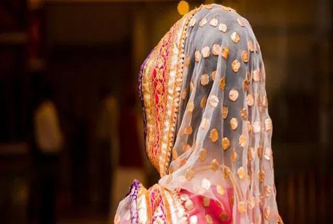 हिंदू लड़की ने की मुस्लिम से शादी, फैला तनाव, लड़के के घरवालों ने छोड़ा गांव