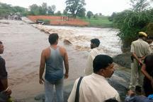 नदी के तेज बहाव में बहे कुशलगढ़ SDM, हुई मौत