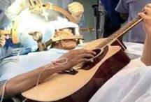 अपने दिमाग की सर्जरी के वक़्त ये आदमी बजाता रहा गिटार