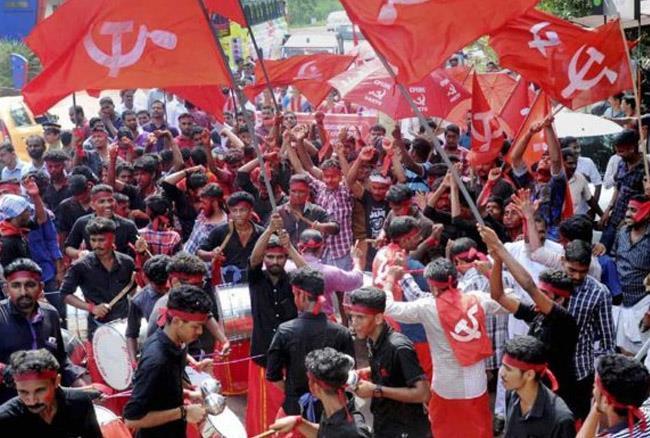 केरल: CPM कार्यकर्ताओं ने BJP कार्यालय पर किया हमला, सामने आया वीडियो