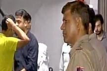 द्वारकाः MBBS की छात्रा और 12वीं के छात्र ने होटल में लगाई फांसी