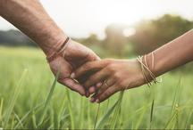 हाथ पकड़ने का तरीका बताता है आपकी रिलेशनशिप के बारे में