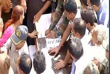 नम आंखों से हुई शहीद शशि कुमार की अंतिम विदाई, बेटे ने कहा, 'पाक से लूंगा बदला'