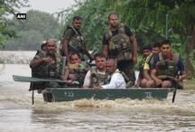 बाढ़ प्रभावित क्षेत्रों में सेना ने शुरू किया रेस्क्यू ऑपरेशन, बचाई 4 की जान