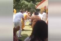 VIDEO: ये बाबा झाड़ू से करता है अपने भक्तों की पिटाई!