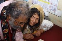 16 साल भूख हड़ताल करने वाली इरोम शर्मिला ने किया विवाह