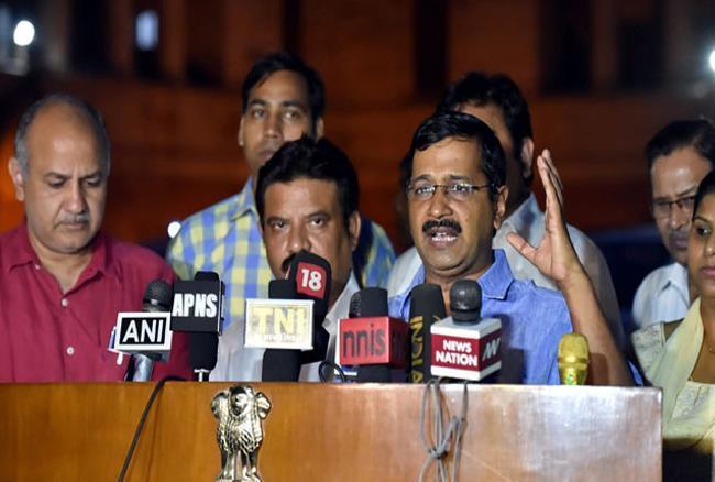 लाभ का पद मामले में केजरीवाल की आप पार्टी के 12 विधायक पहुंचे दिल्ली हाईकोर्ट