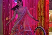 भाई या बहन की शादी में अपने लिए तैयार कराएं ये ड्रेसेज