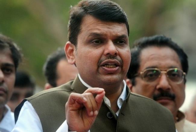 महाराष्ट्र में सरकार के 3 साल होने पर कई मंत्रियों पर गाज गिरा सकते हैं सीएम देवेंद्र फडणवीस