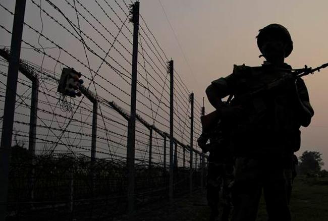 पाक फिर नहीं आया बाज, अरनिया में सेना पर अंधाधुंध फायरिंग
