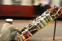 भारी बारिश का असर, मुंबई के डब्बे वालों ने बंद की खाने की डिलीवरी