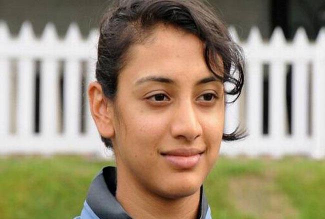 स्मृति के नाम पर देश की इकलौती ऐसी महिला विकेट कीपर का रिकॉर्ड भी दर्ज है, जिन्होंने वनडे में दोहरा शतक लगाया। वेस्ट झोन अंडर-19 टूर्नामेंट में उन्होंने 150 गेंद पर 224 रन ठोंके थे।