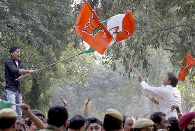 लोकसभा से लेकर बूथ स्तर तक सक्रियता बढ़ाने में जुटी भाजपा और कांग्रेस