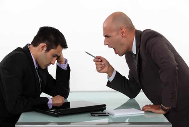 बॉस के बार-बार गुस्सा करने में है आपका फायदा, जानिए कैसे