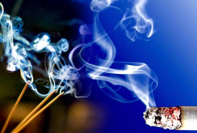 सिगरेट से ज्यादा अगरबत्ती का धुंआ है जानलेवा, जानिए कैसे