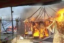 प्रयाग माघ मेला: मौनी बाबा के शिविर में लगी भीषण आग, लाखों का माल खाक
