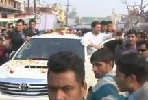 विरोध के बाद भी राहुल गांधी ने अमेठी में किया रोड शो, कांग्रेस-भाजपा कार्यकर्ताओं पर चली लाठियां