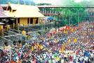 सबरीमाला मंदिर प्रवेश विवाद : विरोध के बावजूद सबरीमला पहाड़ी पर चढ़ रही है महिला पत्रकार