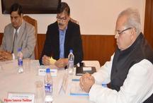 जम्मू कश्मीर के राज्यपाल ने की समीक्षा बैठक, सुरक्षा व्यवस्था का लिया जायजा