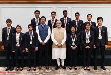 सरकार ने युवा ओलंपिक खेल पदक विजेताओं को नकद पुरस्कार देकर किया सम्मानित