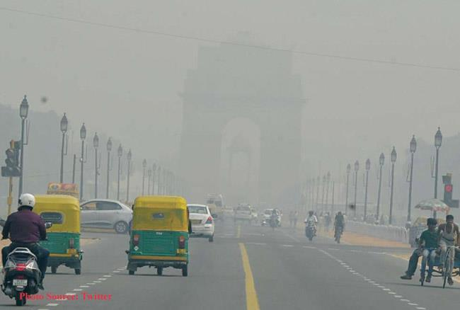 दिल्ली / अब भी हवा घोट रही लोगों का दम, सामने आया AQI