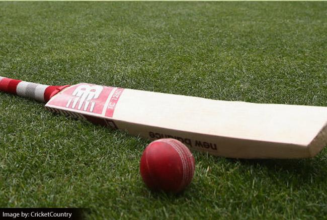क्रिकेट जगत की अनोखी घटना: इस बल्लेबाज ने 5 गेंदों में 77 रन बनाकर रच दिया इतिहास