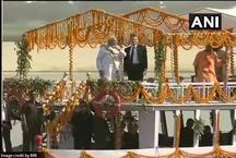 वाराणसी: अस्सी घाट पर पीएम मोदी और फ्रांसीसी राष्ट्रपति मैक्रों का जोरदार स्वागत
