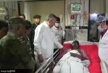 सुकमा नक्सली हमलाः घायल CRPF जवानों को अस्पताल देखने पहुंचे सीएम रमन सिंह