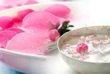 घर पर ही इस आसान तरीके से बनाएं गुलाब जल, जानें इसके फायदे