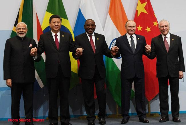 जोहानिसबर्ग में चीन के राष्ट्रपति शी जिनपिंग से मिले प्रधानमंत्री मोदी, जानिए दोनों नेताओं के बीच क्या हुई बातचीत