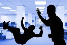 व्यंग्य : वो सहयोगियों को गिराने के लिए 'तनाव परोसते हैं'
