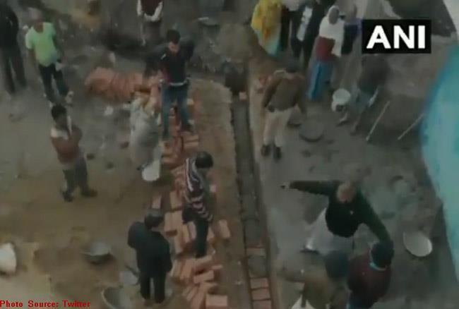 वीडियो/ जमीन विवाद को लेकर राजद विधायक ने एक व्यक्ति को जड़ा थप्पड़