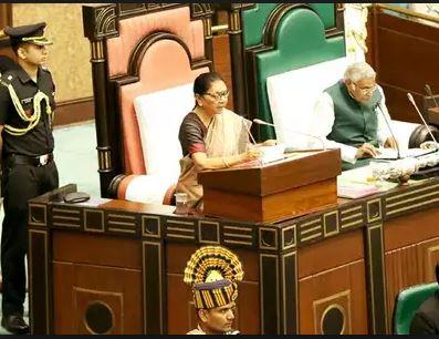 मध्य प्रदेश समाचार : बिना विपक्ष के ही राज्यपाल ने गिनाईं सरकार की प्राथमिकताएं