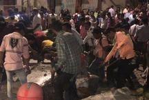 Big Breaking: मुंबई में रेलवे स्टेशन के सामने फुटओवर ब्रिज गिरा, 5 लोगों की मौत, 36 घायल, सालभर के भीतर दूसरा हादसा