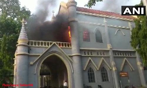 Breaking: जबलपुर में मध्यप्रदेश हाईकोर्ट भवन में लगी भीषण आग, अफरा-तफरी का माहौल